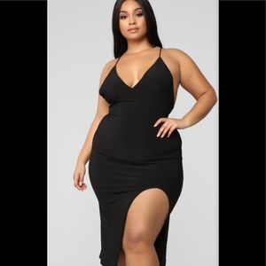 "Fashion Nova "" Let Em Stare"" midi dress-Black"